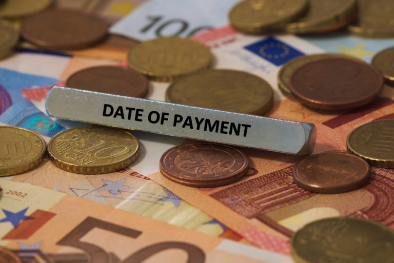 How Are Payment Dates Chosen for SSDI and SSI?